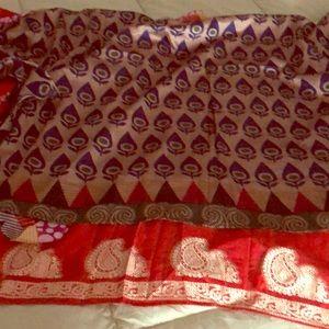 Darn goodyarn wrap reverse silk skirt .Never worn.